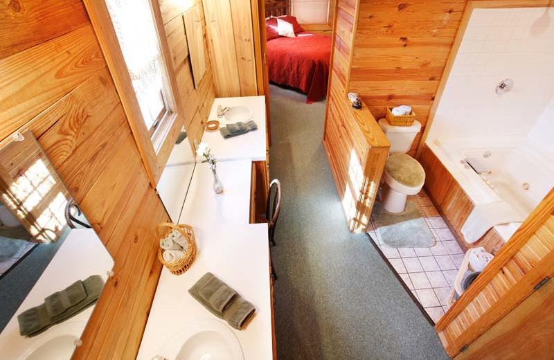 Cabin Bathroom at Hidden Hollow Cabins