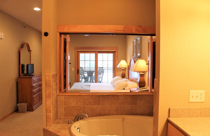 Guest bathroom at Northernaire Resort.