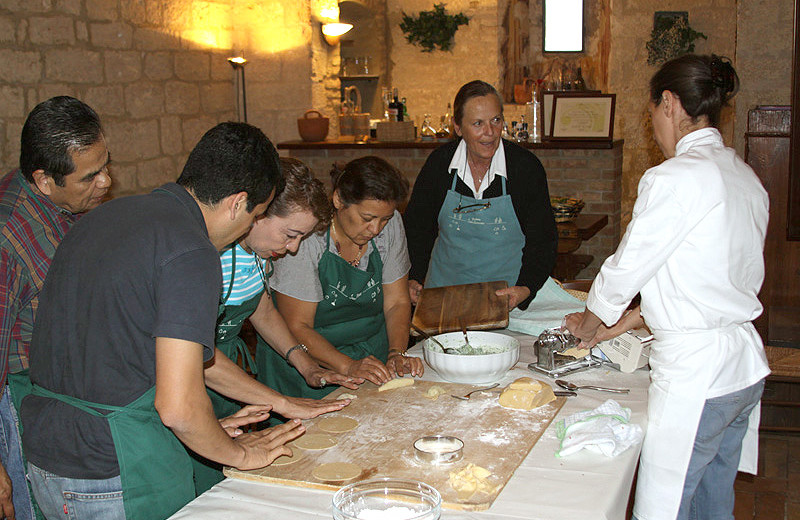 Cooking class at Agriturismo Podere San Lorenzo.