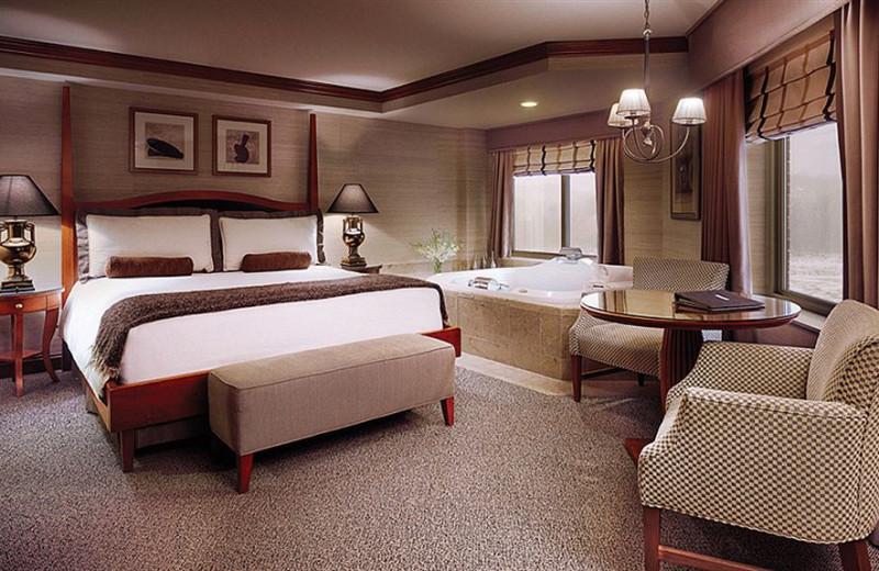 Guest room at Ameristar Casino- Council Bluffs.
