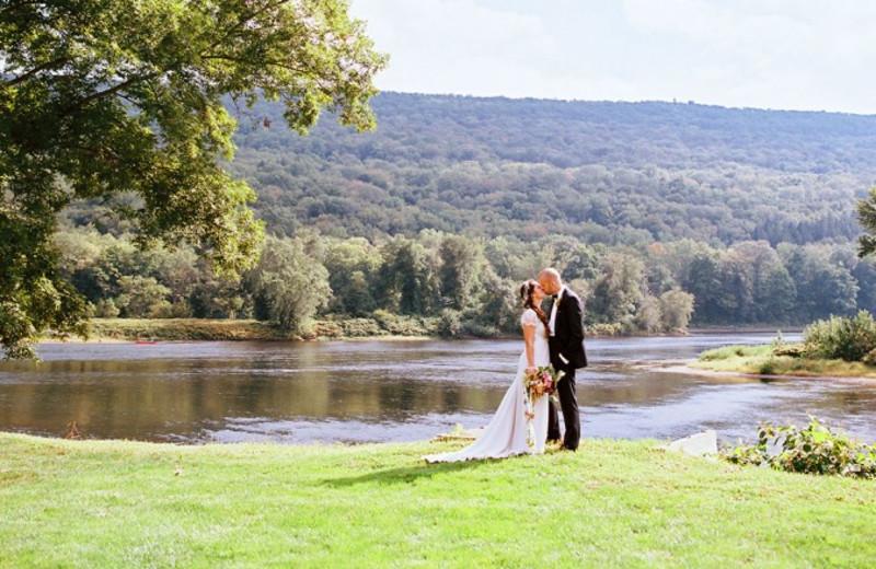 Wedding couple at Shawnee Inn and Golf Resort.