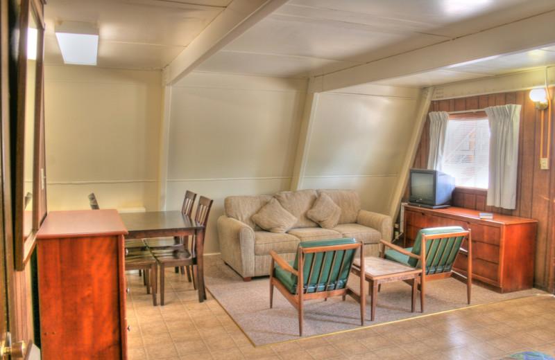 Guest living room at Heidelberg Lodges.