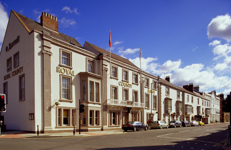 Exterior view of Swallow Royal County Hotel.