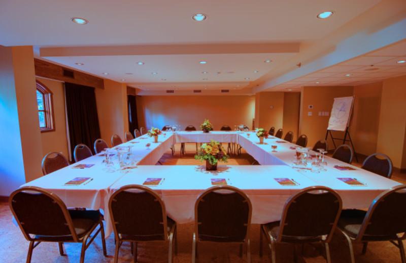 Meeting room at Banff Caribou Lodge.