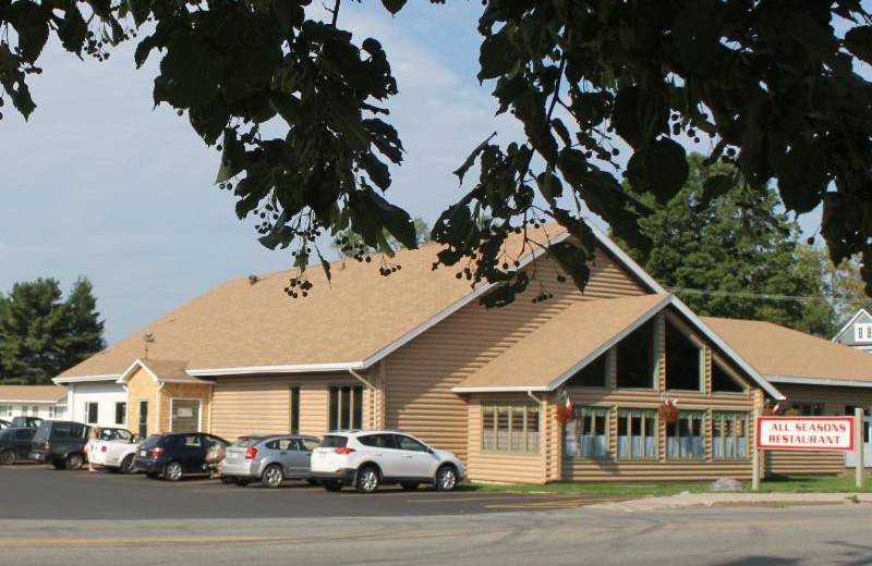 Exterior view of All Season's Inn & Restaurant.