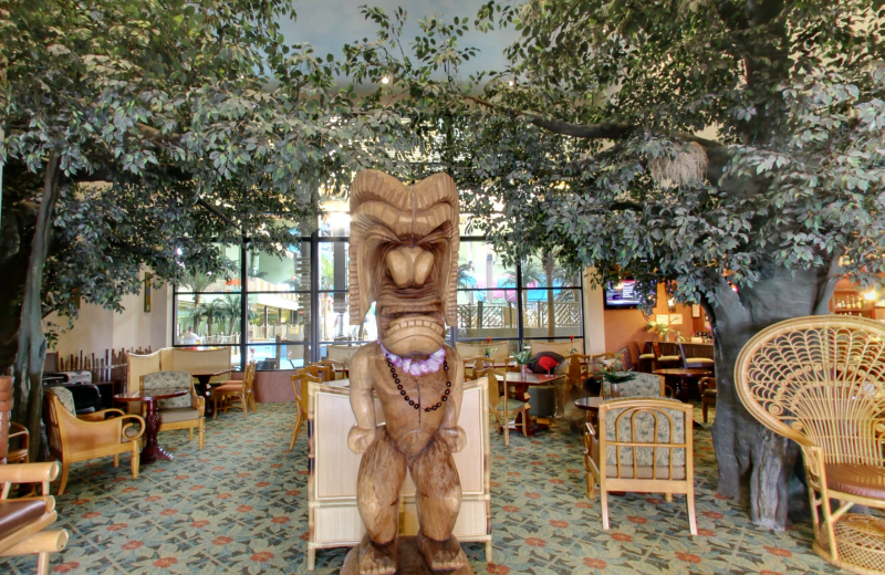 Lobby view at Maui Sands Resort & Indoor Waterpark.