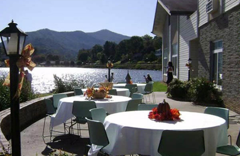 Events featuring outdoor dining can be booked at Lake Junaluska Conference and Retreat Center in Western North Carolina.