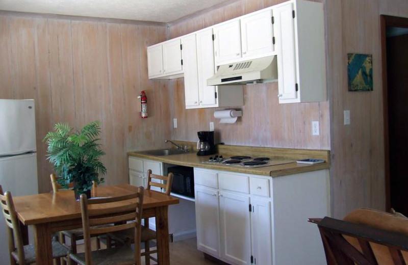 Guest kitchen at Buzzard Rock Resort and Marina.