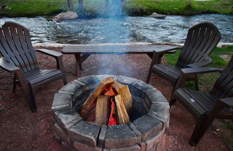 Fire pit at Murphy's River Lodge.