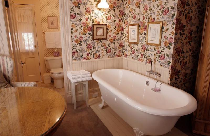 Bathroom at Bradford Place Inn & Gardens.