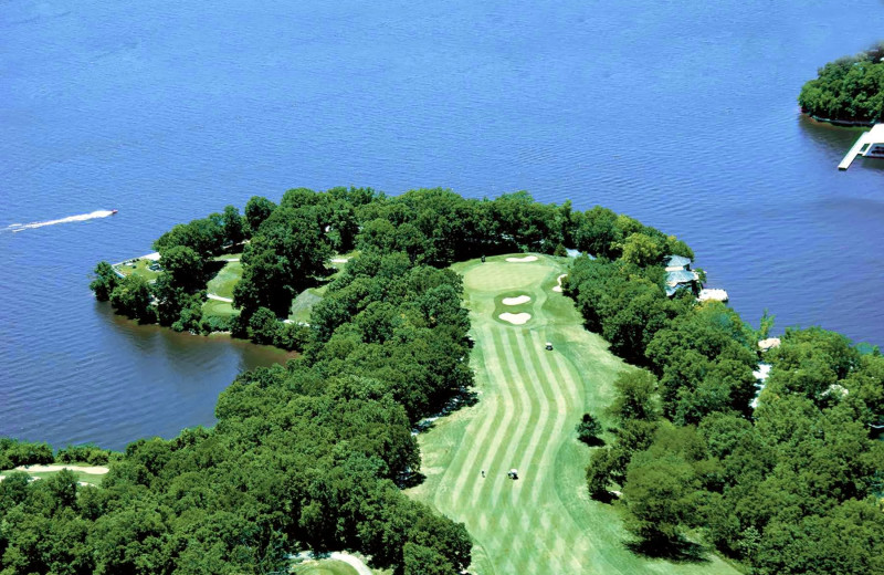 Golf course near Your Lake Vacation/Al Elam Property Management.