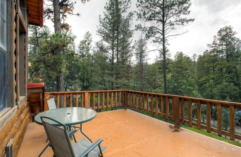 Bear Country Cabin deck at Hummingbird Cabins.