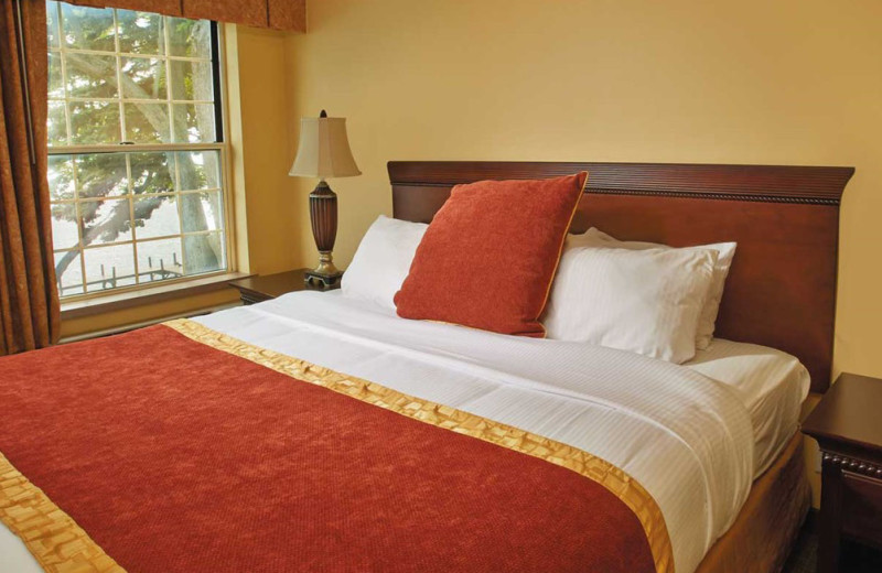 Guest bed at Heidel House Resort.