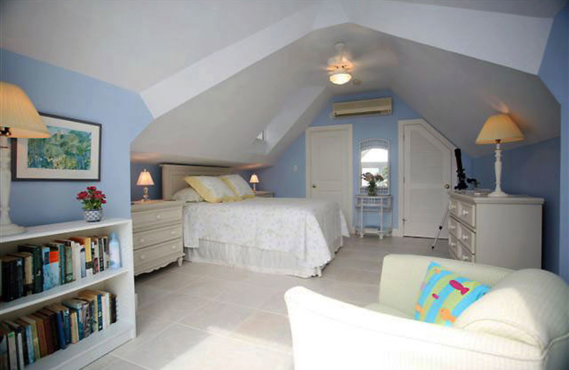 Guest bedroom at CaymanVacation.com.