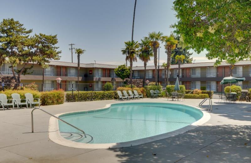 Outdoor pool at Vagabond Inn Sunnyvale.