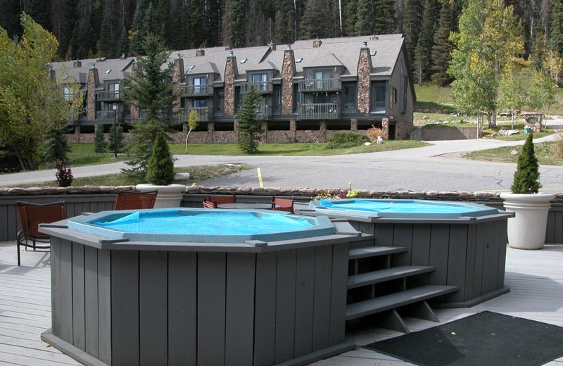 Rental hot tub at The Columbine Group.