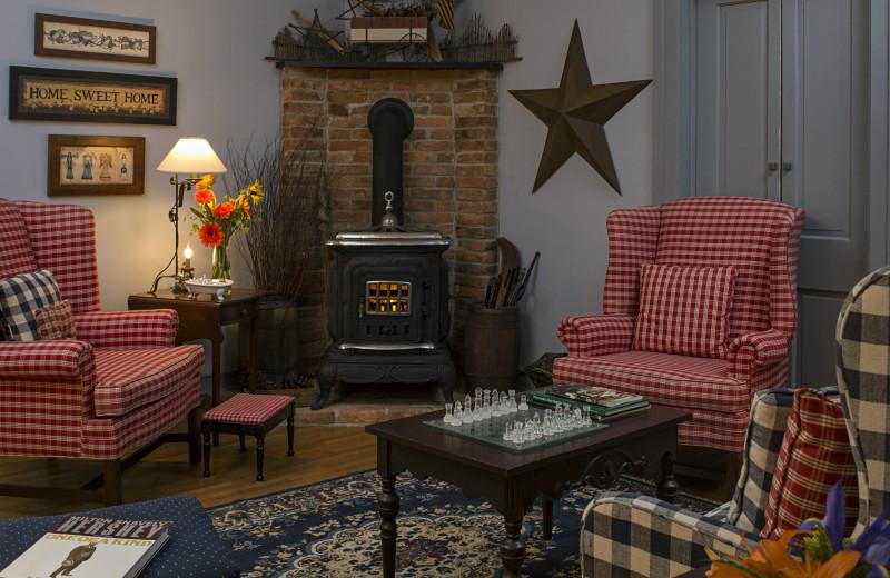 Living room at 1825 Inn Bed & Breakfast