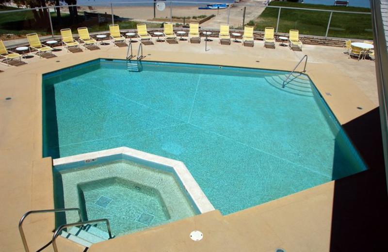 Outdoor Pool at Gordon Lodge