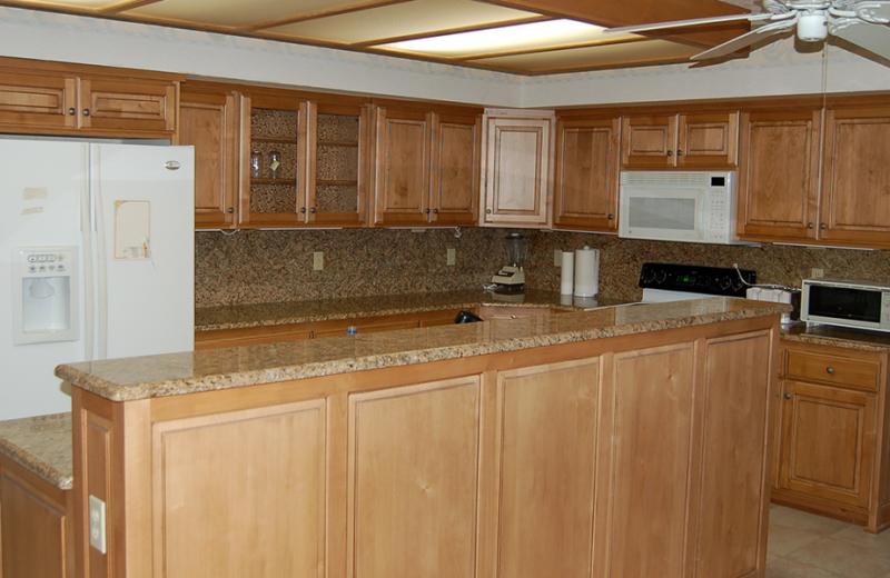 Rental kitchen at Utah Family Lodges.