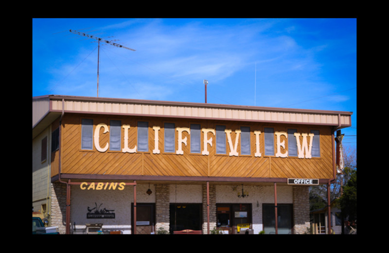 Exterior view of Cliffview Resort.