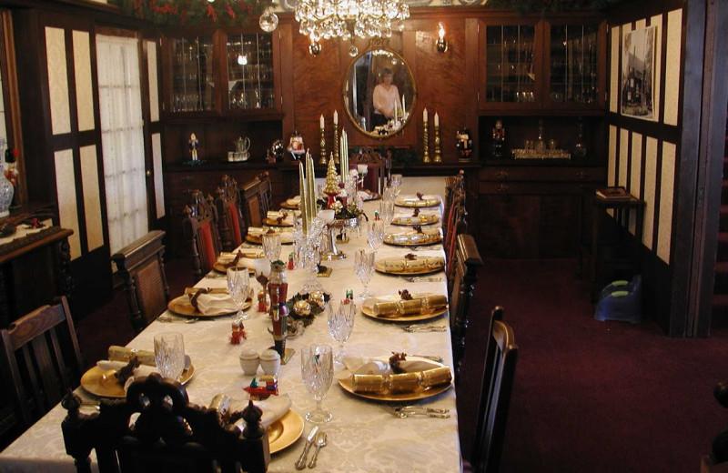 Dining table at Cedar Gables Inn.
