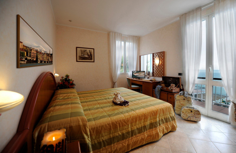 Guest room at Hotel Gabriella.
