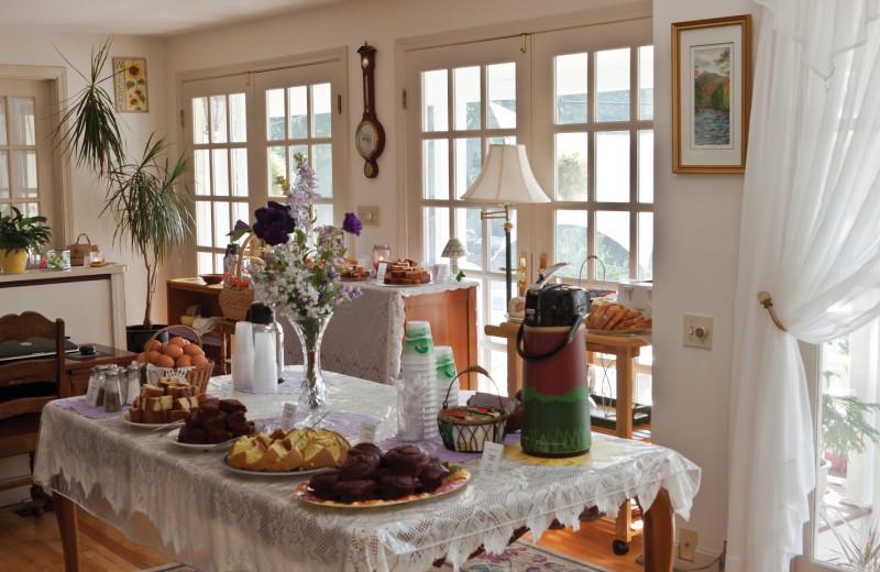 Breakfast at Mount Battie Motel.