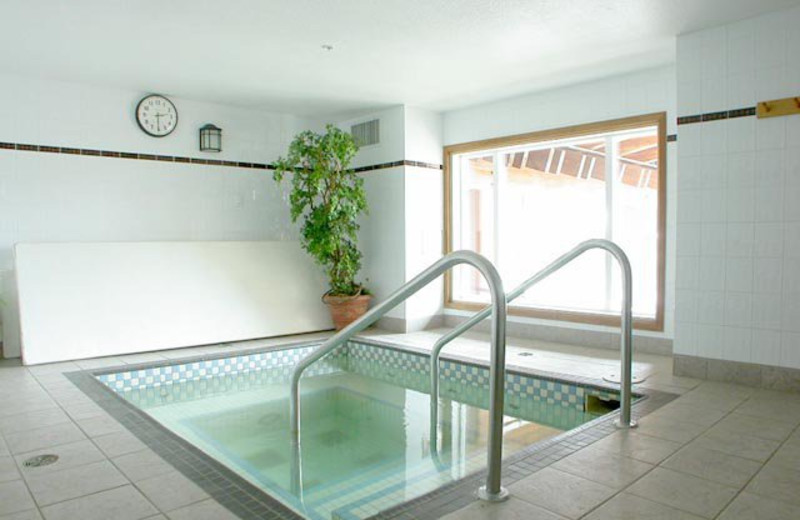 Indoor hot tub at Cahilty Lodge.
