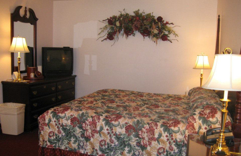Guest Room at the Mohican Lake Resort
