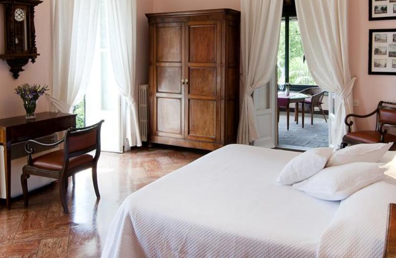 Guest room at Villa Camilla.