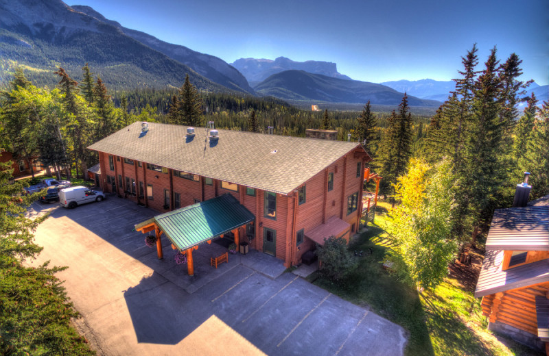 Exterior view of Overlander Mountain Lodge.