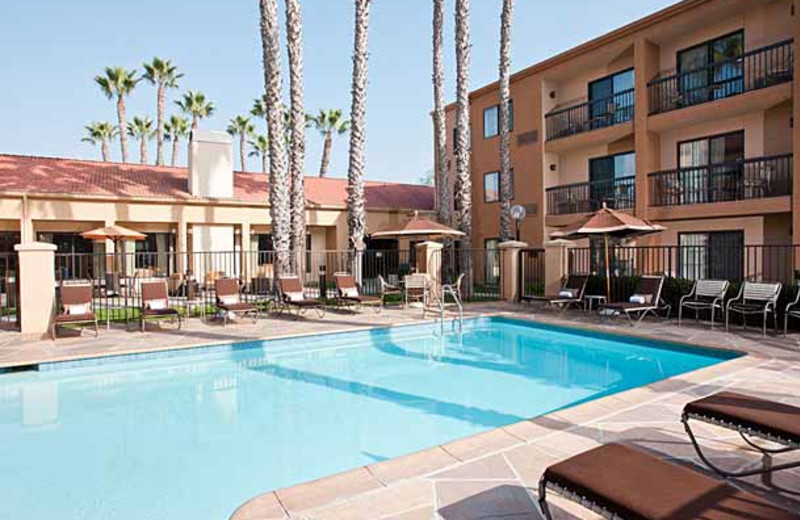 Outdoor pool at Courtyard by Marriott Huntington Beach Fountain Valley.