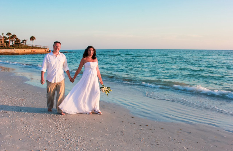 Beach weddings at Tropical Shores Beach Resort.