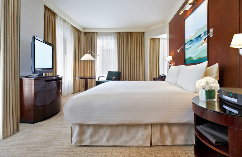 Guest bedroom at Sofitel Washington D.C. Lafayette Square.