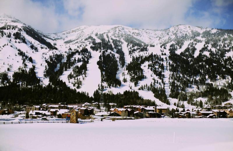 Mountains at Alpenhof Lodge.