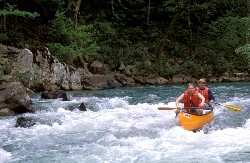 River canoeing at Mulberry Mountain Lodging & Events.