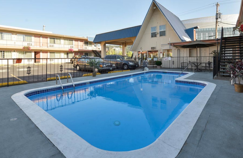 Outdoor Swimming Pool at University Inn & Suites