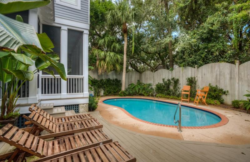 Vacation rental pool at Hodnett Cooper.