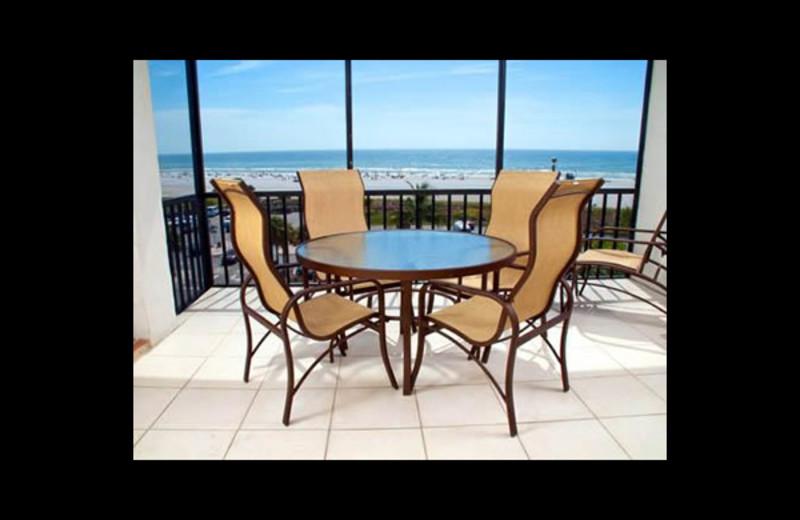 Vacation rental lanai at Crescent Royale Condominiums.