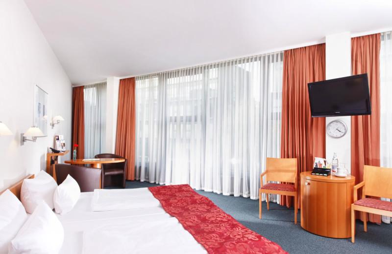 Guest room at Hotel am Borsigturm.
