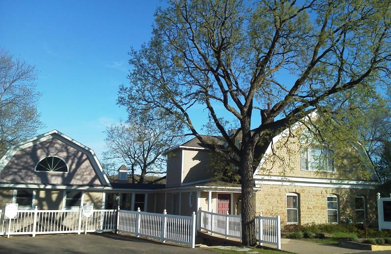 Exterior view of St Croix River Inn.