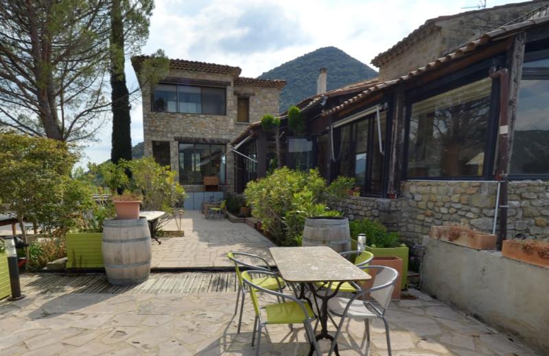 Exterior view of Auberge du Vieux Village.