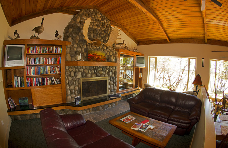 Living room at King Salmon Lodge.