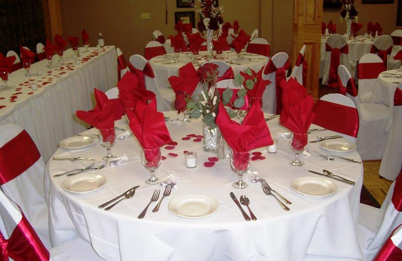 Weddings at Thousand Hills Golf Resort.