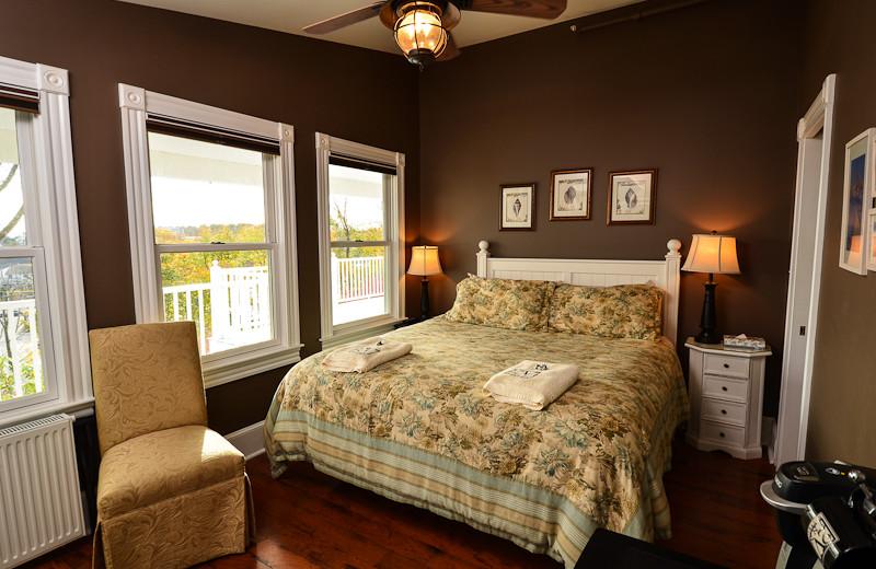 Guest room at 2 Village Square Inn Ogunquit.
