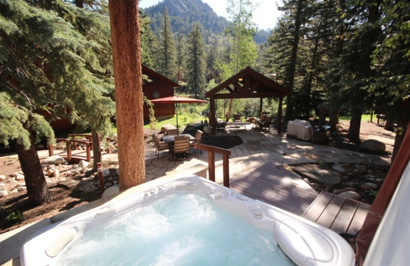 Hot Tub at Boulder Brook on Fall River