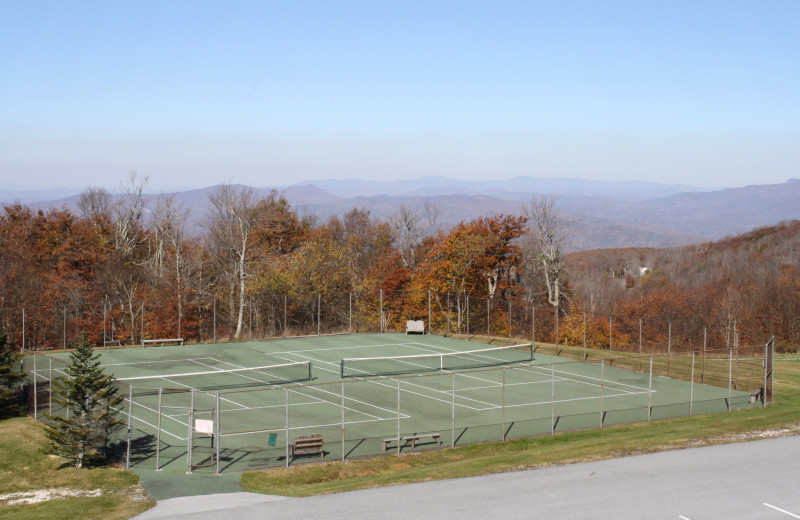 Tennis court at Pinnacle Inn Resort.