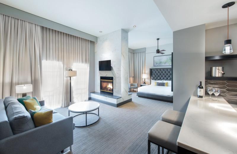 Guest room at The Heathman Hotel Kirkland.