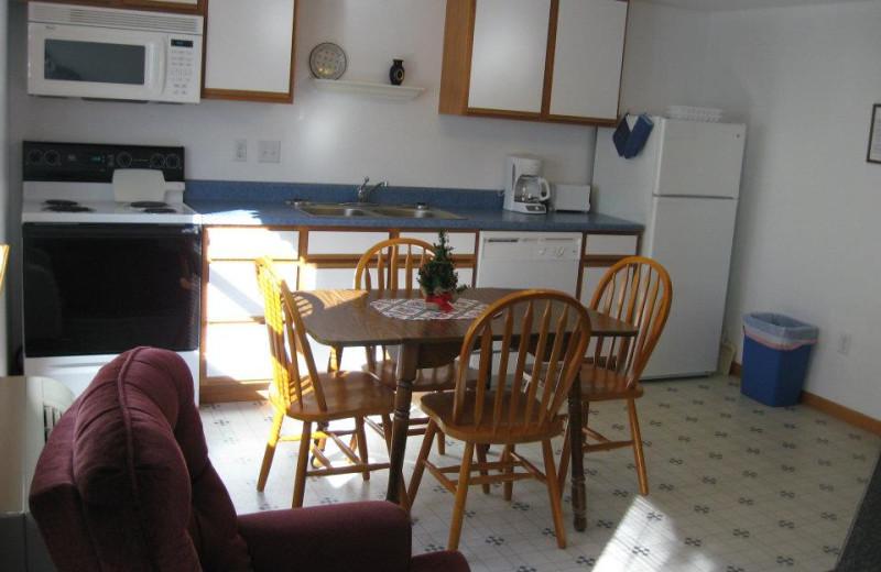 Cabin kitchen at Artilla Cove Resort.