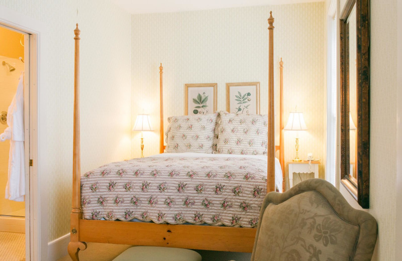 Guest room at The Whistling Swan Inn.